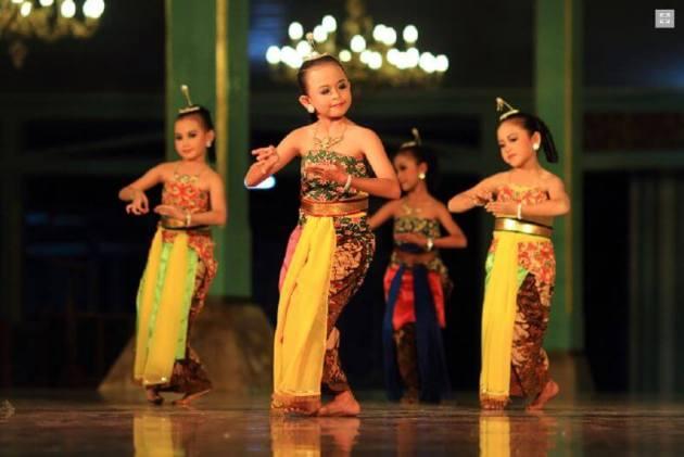 nama nama tarian daeran dan maknanya Tarian Gambyong anak dari daerah Jawa Tengah
