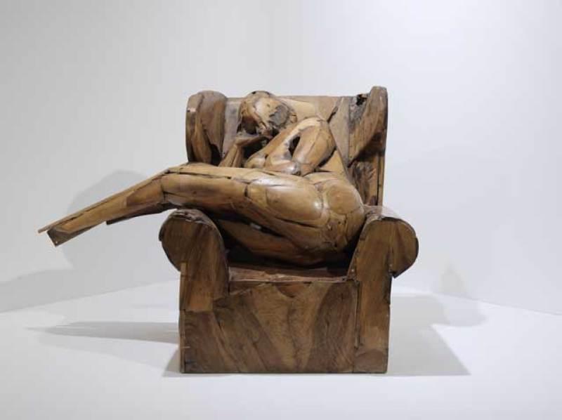 Mujer sentada, 1987 Legno, 95 x 136 x 90 cm Collezione privata © Manolo Valdés - ProLitteris Zurigo / Foto Enrico Cano