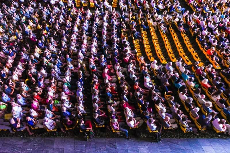 Il pubblico del Festival in Piazza Grande - Ph. copyright Locarno Festival - Luca Dieguez