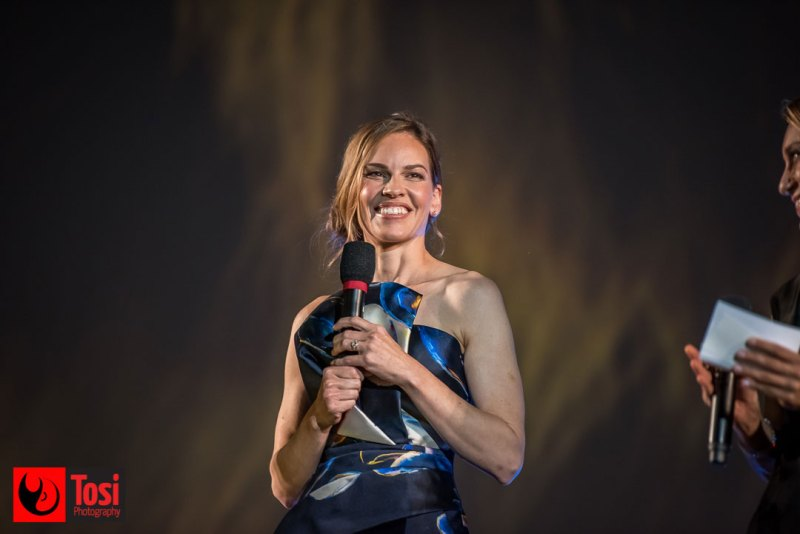 Hilary Swank in Piazza Grande © Tosi Photography