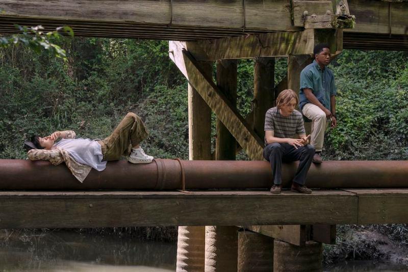 Cercando Alaska. I protagonisti in una scena della miniserie. Photo by: Alfonso Bresciani/Hulu.