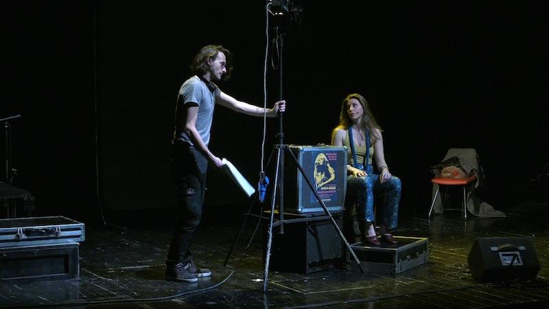 Davide Del Grosso e Marta Mungo in un momento dello spettacolo JANIS. Photo: Giulia Gibilaro
