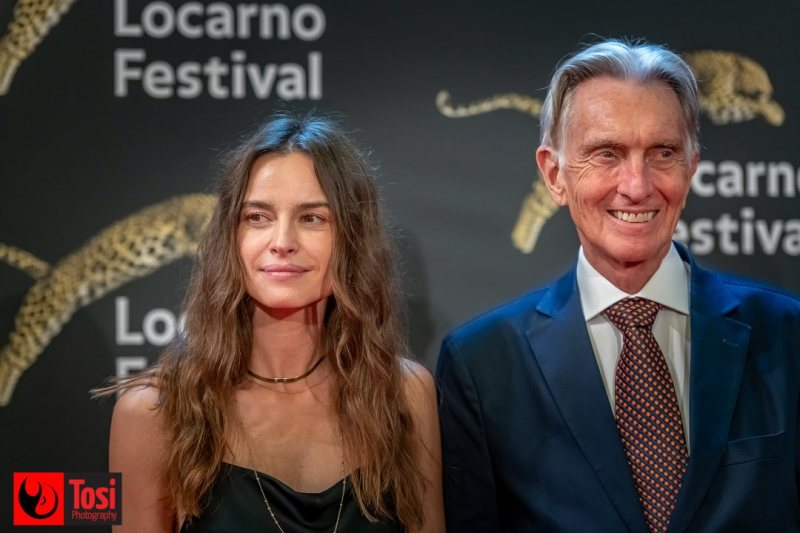 Kasia Smutniak con Marco Solari sul red carpet di Locarno 74 © Tosi Photography.
