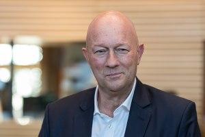 Thomas L. Kemmerich (FDP, Landes- und Fraktionsvorsitzender in Thüringen) als neu gewählter Ministerpräsident;