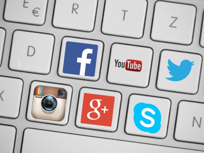 Beberapa nama sosial media yang sering digunakan