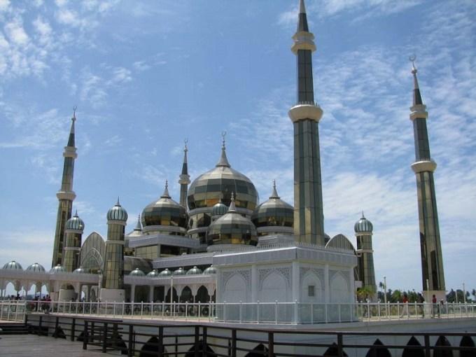 Masjid Kristal yang Berada di Terengganu, Malaysia