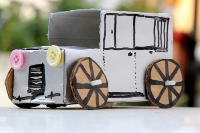 Mobil-mobilan dari Kardus
