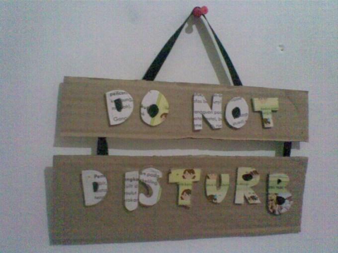 Tanda dilarang mengganggu