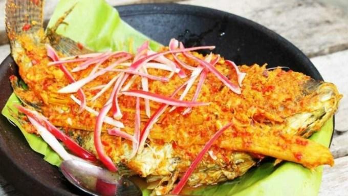 Arsik makanan khas Medan berbahan dasar ikan