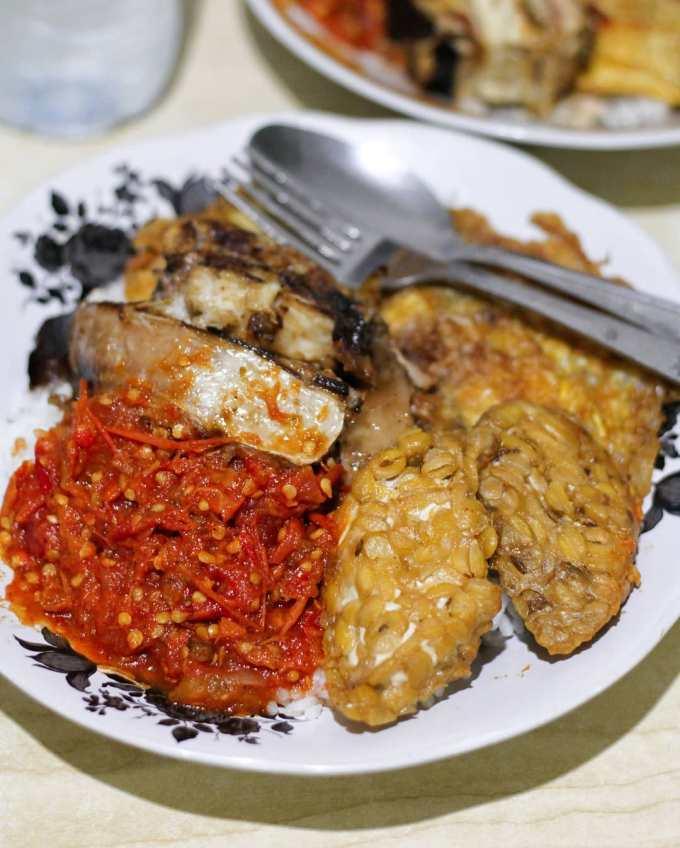 sego sambel makanan khas surabaya