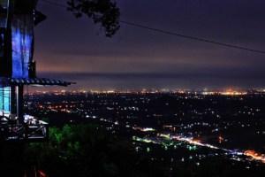 Bukit Bintang Jogja saat malam hari