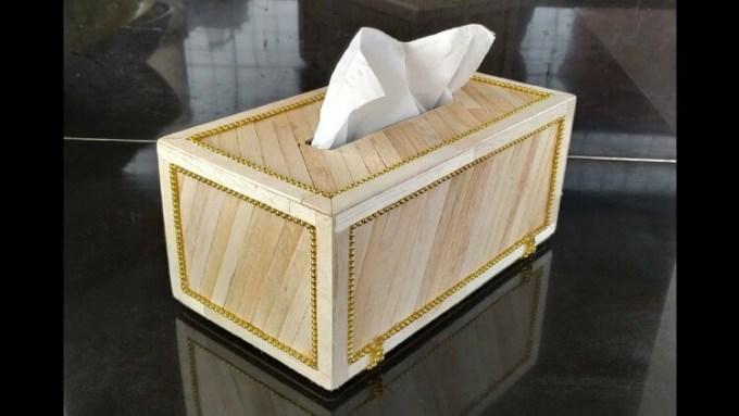 Kotak tisu dari stik es kirm