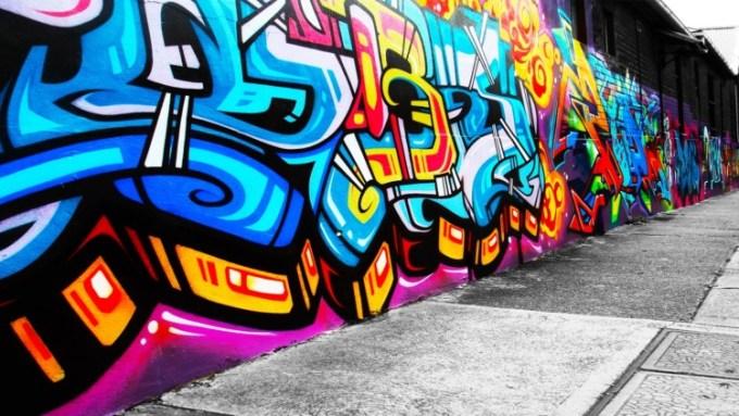 Gambar grafiti yang dibuat pada dinding