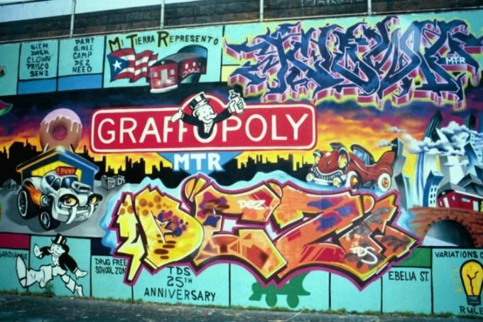 Gambar grafiti bertuliskan graffopoly