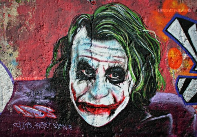 Gambar grafiti muka Joker