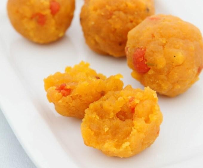 Makanan khas India laddu