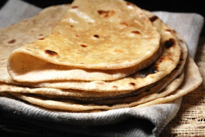 Chapati atau Roti merupakan makanan khas India