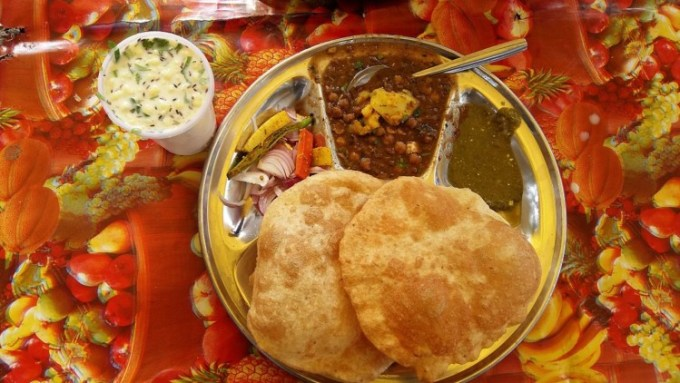 Makanan India Chole Bhature