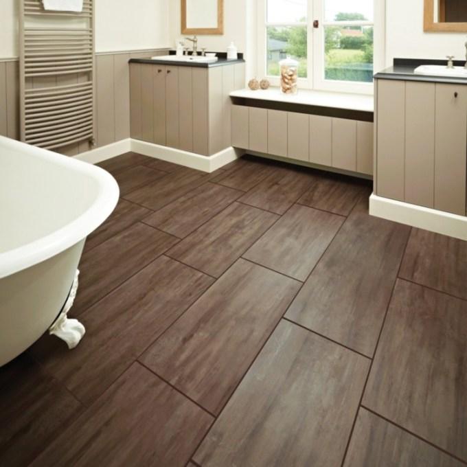 Lantai kamar mandi seperti kayu