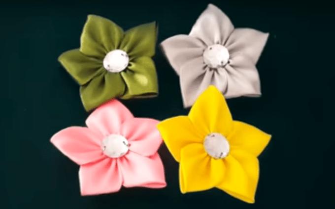 Bros bunga mawar dari kain satin