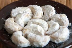 Resep kue putri salju enak, lembuat, dan renyah