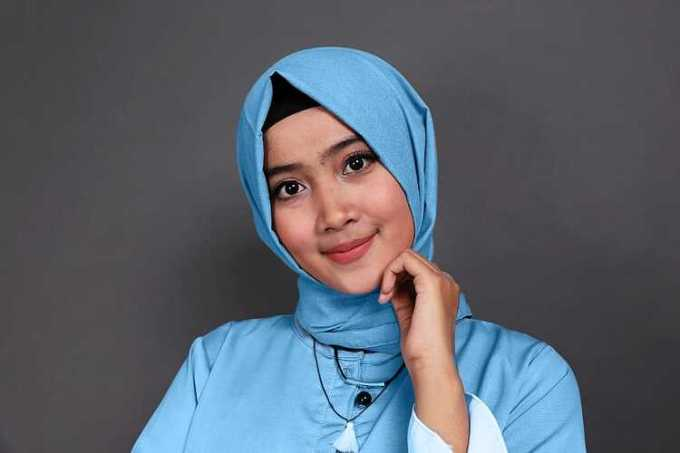 biru muda dan biru muda - baju biru muda cocok dengan jilbab warna apa