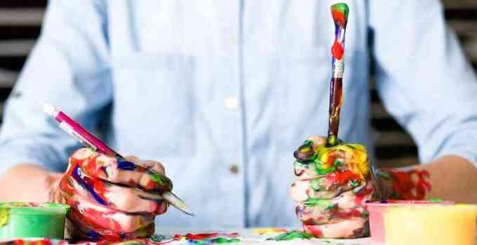 perbedaan melukis dan menggambar
