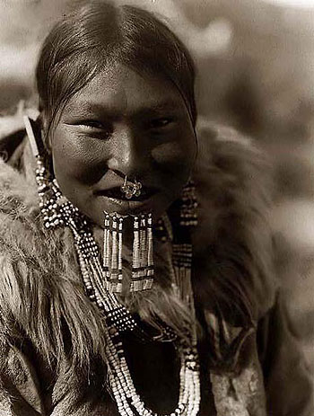 nunivak-eskimo-woman