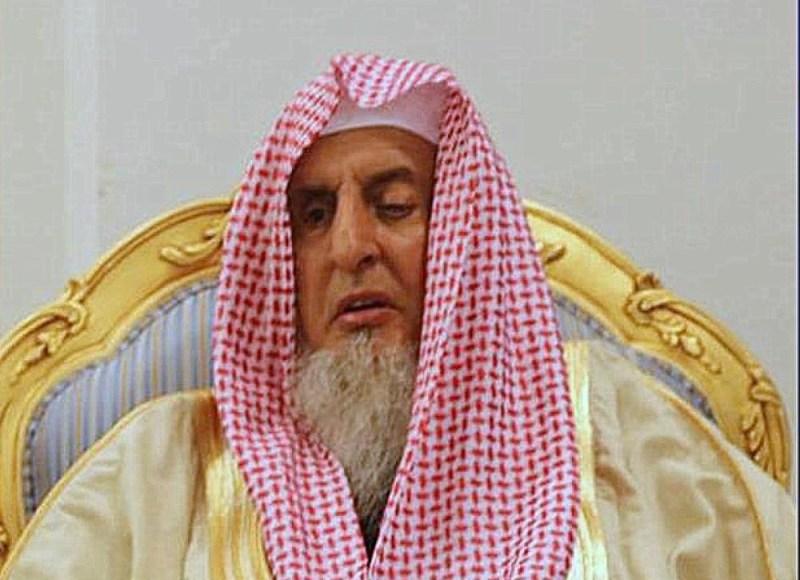 مفتي عام المملكة : صلاتي التراويح والعيد في البيوت إذا استمرت جائحة كورونا