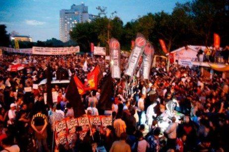 antikapitalist-muslumanlar-at-protest-450x299