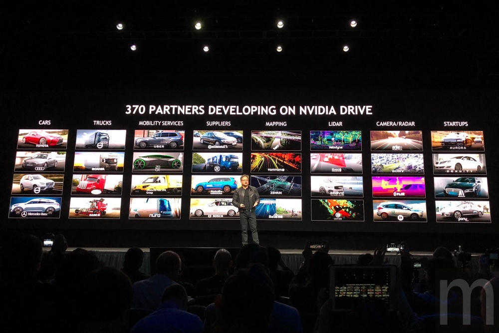 batch IMG 7643 NVIDIA Drive Constellation 讓自駕車短時間快速累積10億英哩「上路」行駛經驗