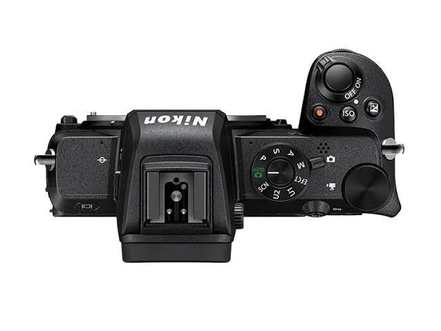 Nikon終於推出APS C片幅設計的無反相機Z50
