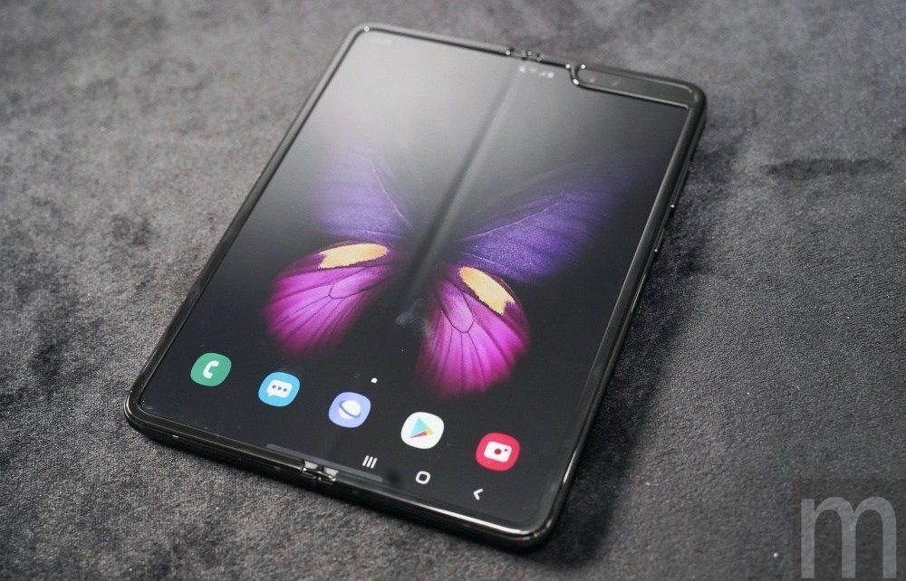 Fold 06 消息指稱三星將在下半年推出代號「Win2」的螢幕可凹折手機