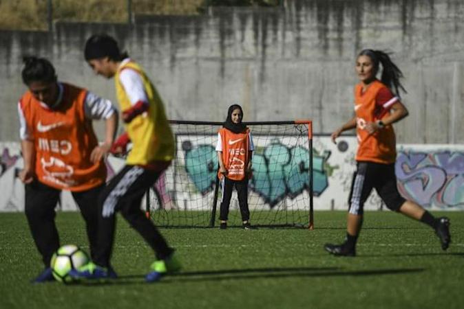 Afghan-women-footballers-training