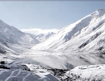 ناران میں برفباری