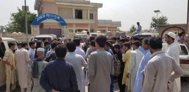 Workers slam Al Haj Karwan for not inviting them to Kalam visit 696x338 1