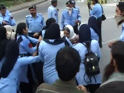islamabad police detain rights activist during protest 1398693738 4955