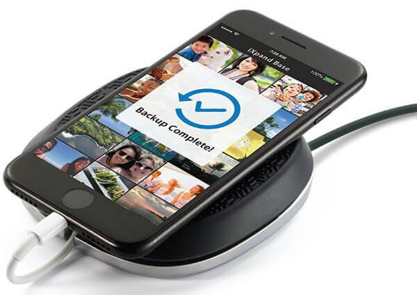 SanDisk iXpand Base iPhone