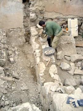 Levantando la pared de piedra