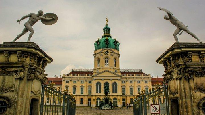 Замок Шарлоттенбург: как добраться, часы работы, билеты, история и описание