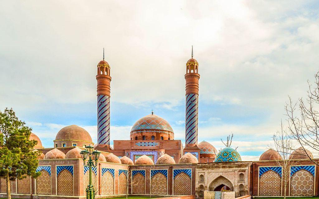Гянджа, родина поэта Низами и второй крупный город Азербайджана