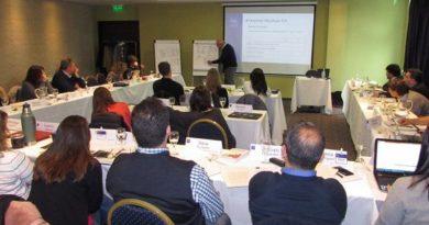 Empresarios se formaron en finanzas y gestión del riesgo