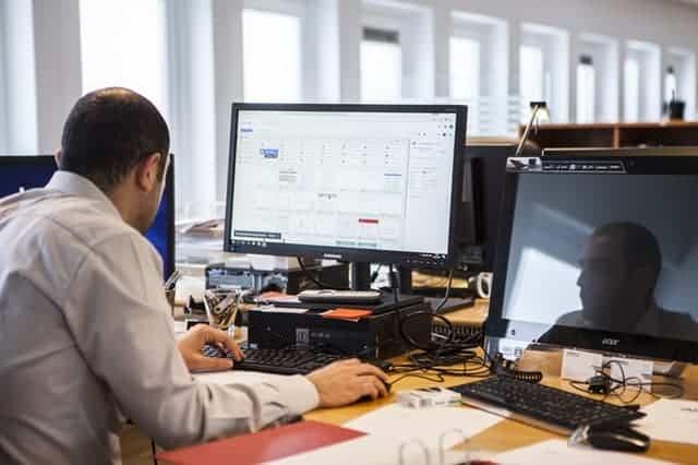 peralatan perkantoran, komputer kantor, furniture office