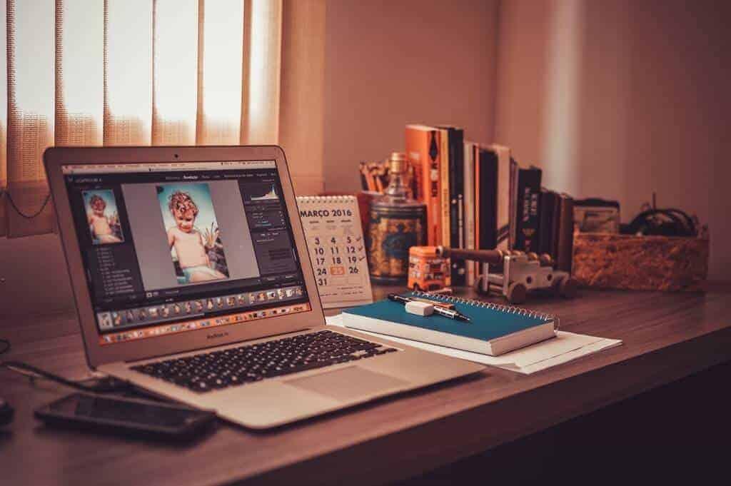 Manipulasi foto, desain grafis, aak IT desain, logo anak IT