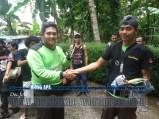 door prize fourteen adventure pada acara Bina Lingkungan dan Konservasi Sempadan Sungai Serayu desa Pegalongan Patikraja (9)