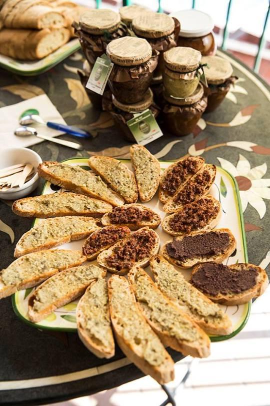 Maslinescu - gustare cu pate de masline verzi