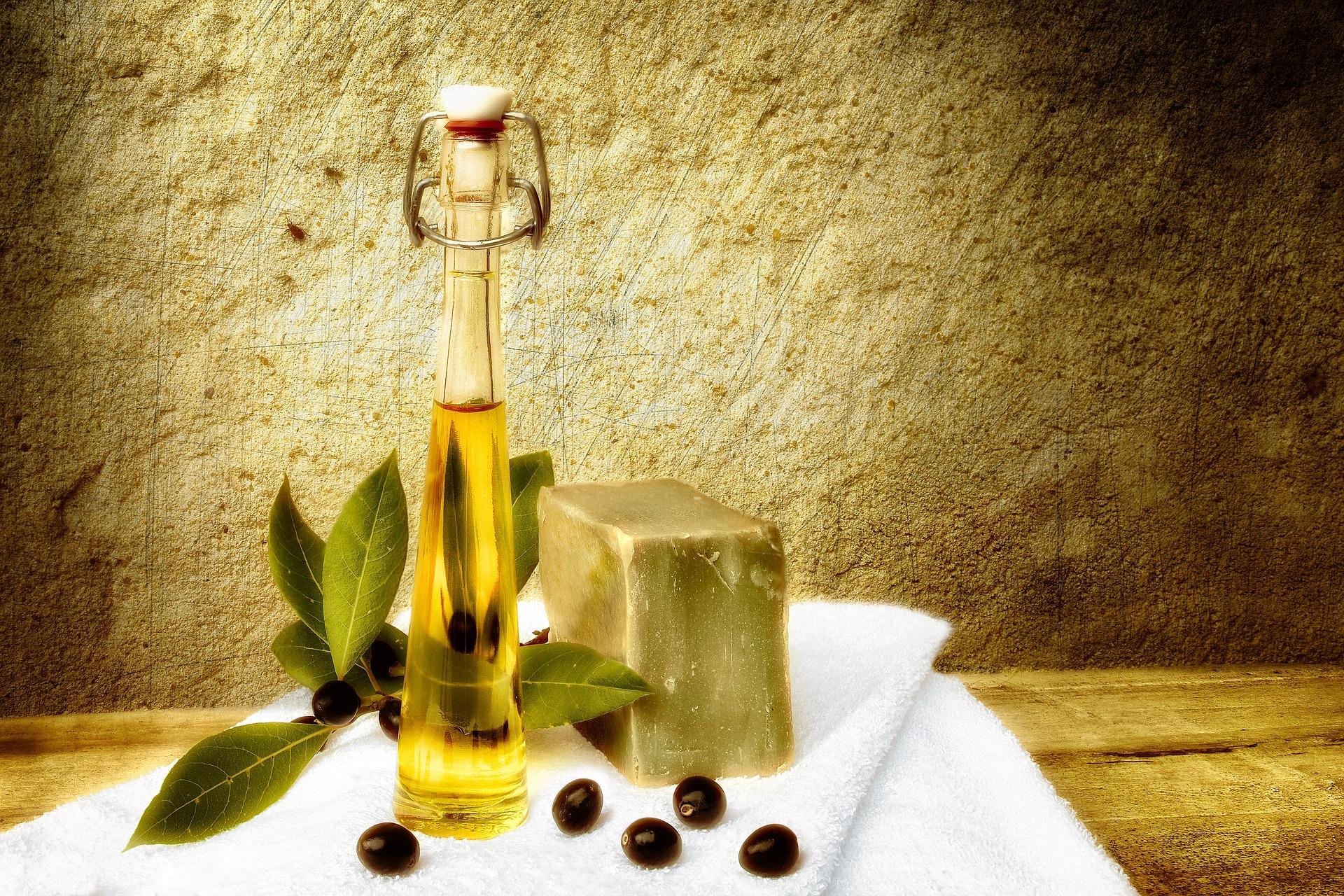 Cum folosești uleiul de măsline pentru a te menține tânară.