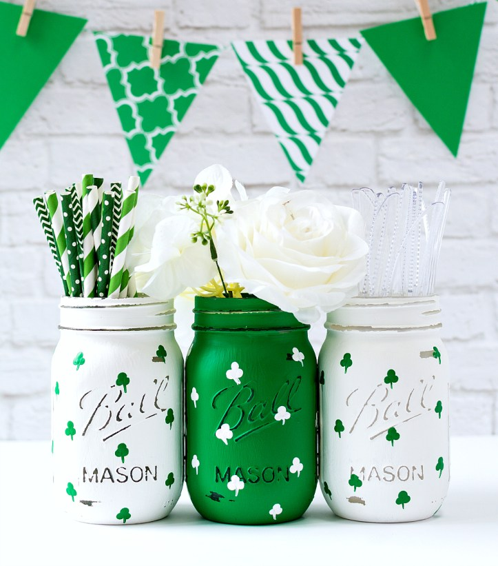Painted shamrock mason jars - mason jar crafts for st patrick day