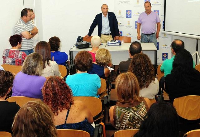 Manuel Vargas presenta el curso de formación de educadores infantiles