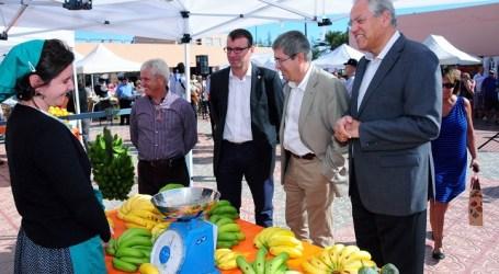 El CC San Agustín busca relanzarse con un mercadillo agrícola y artesanal canario
